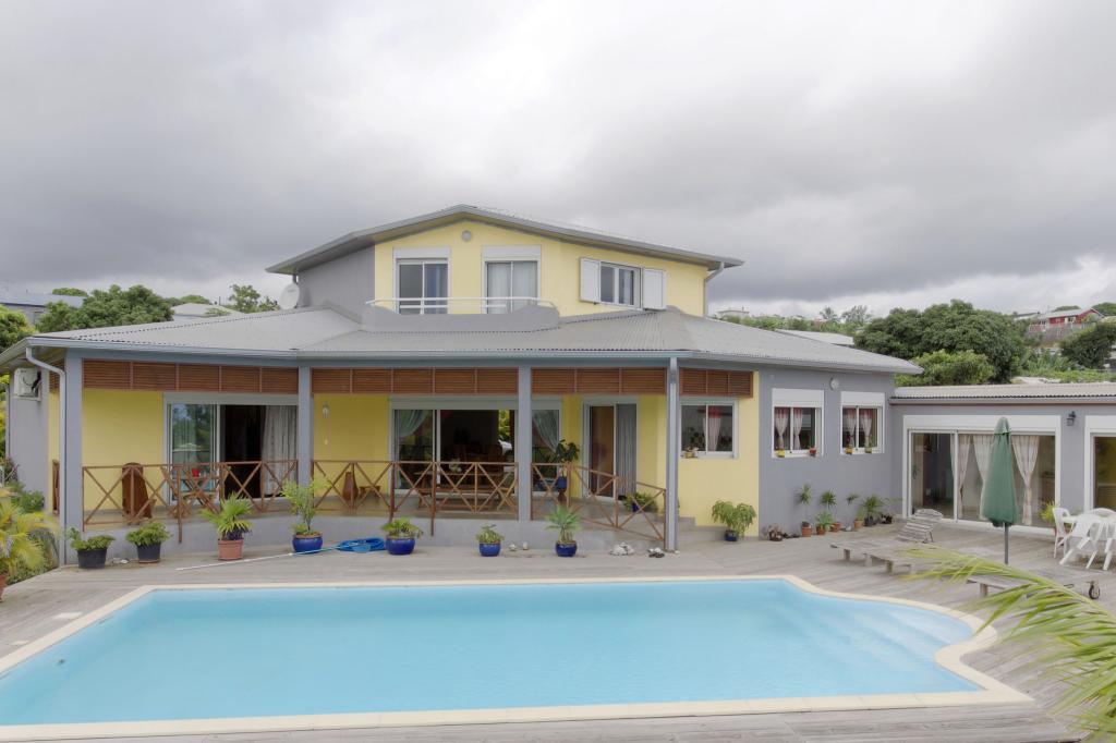 Achat maison saint pierre 97410 r union sud r f for Achat maison sud est