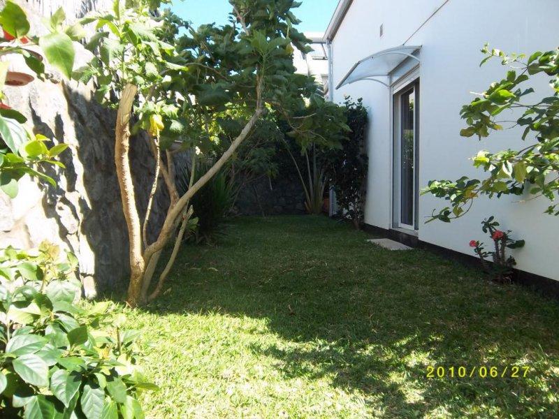 Location rez de jardin sainte clotilde 97490 r union for Location rez de jardin yvelines