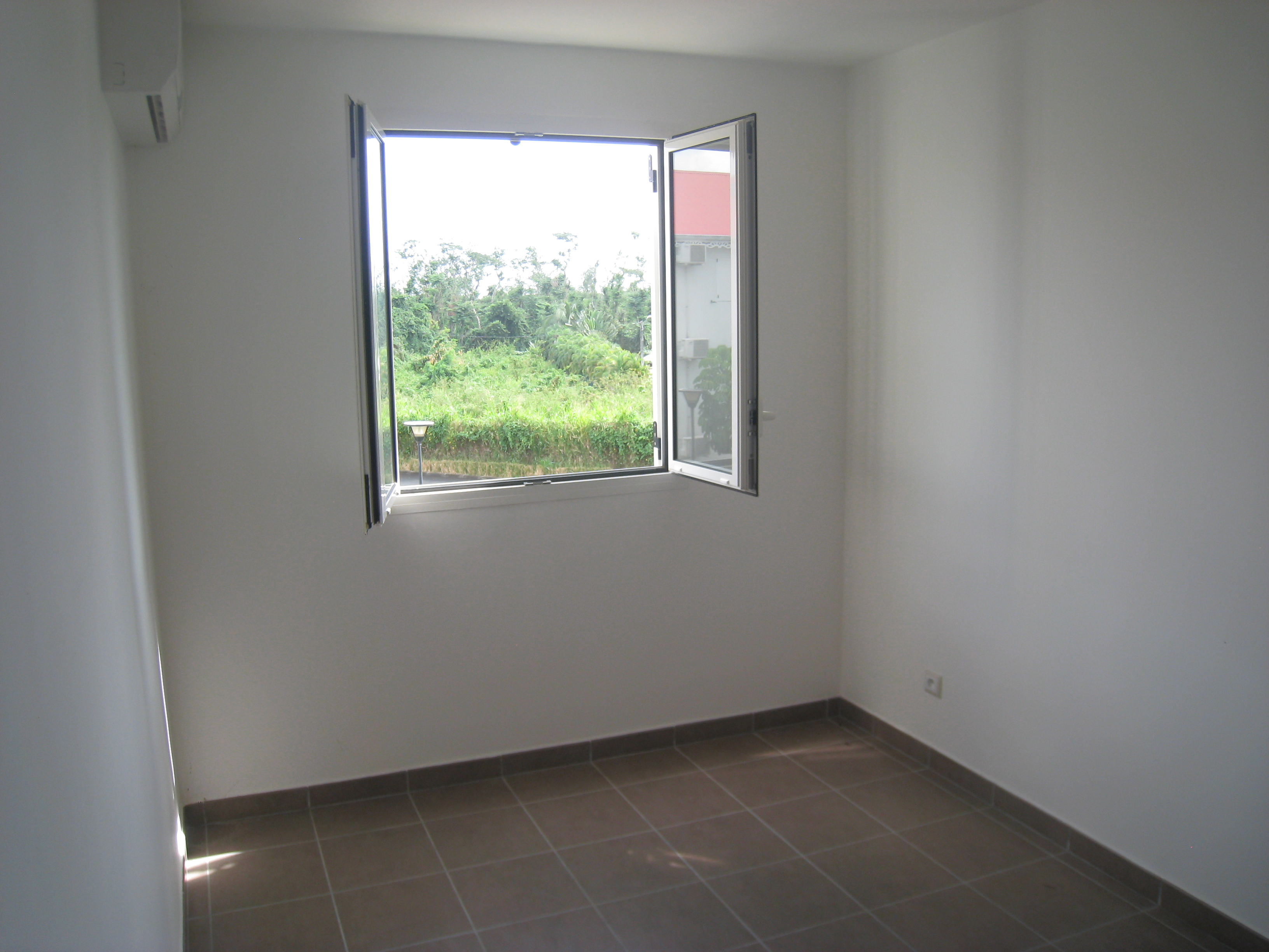 Location appartement baie mahault 97122 guadeloupe centre for Location achat appartement