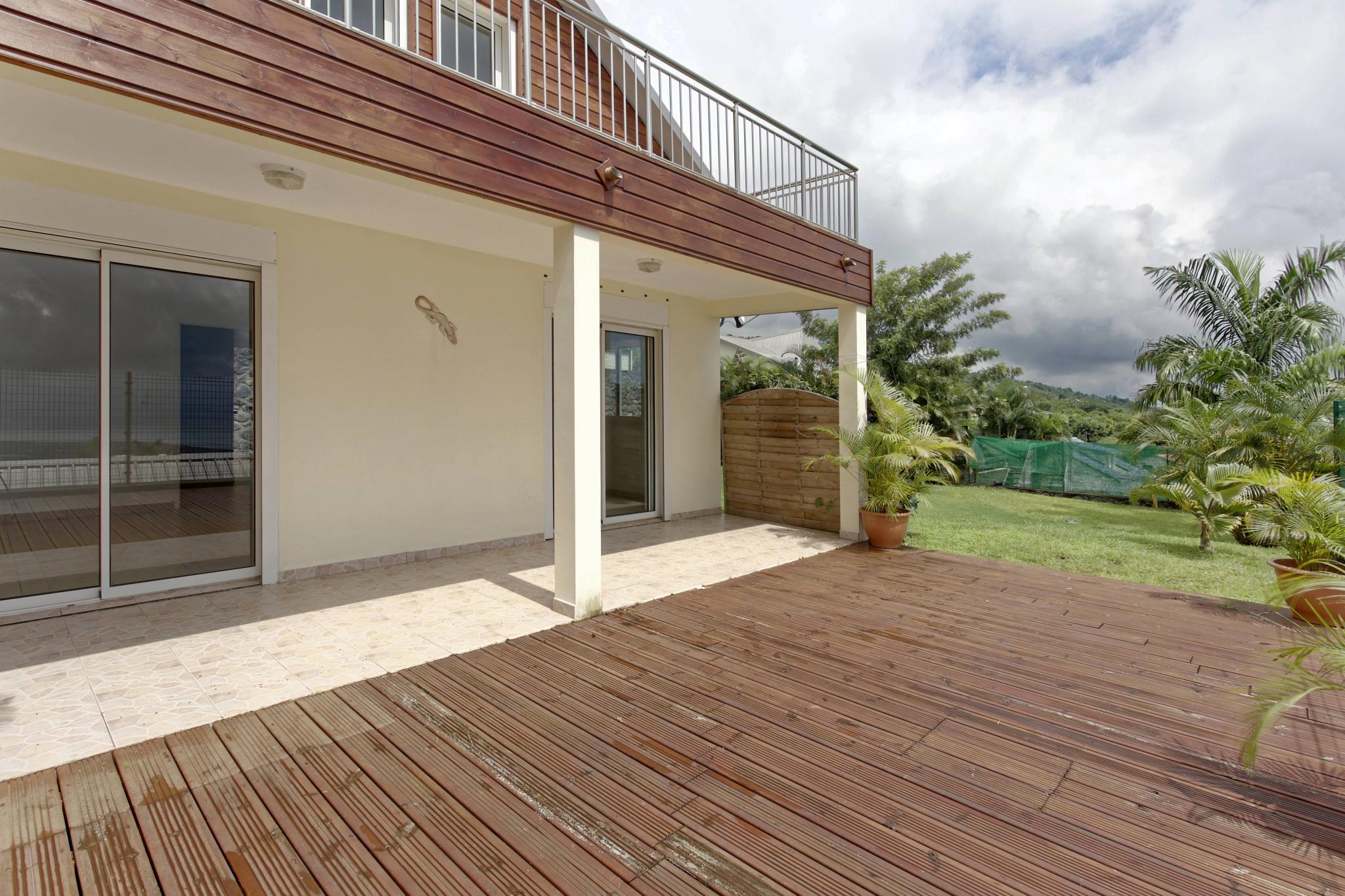 acheter maison en bois beautiful a vendre poitiers maison bois with acheter maison en bois. Black Bedroom Furniture Sets. Home Design Ideas