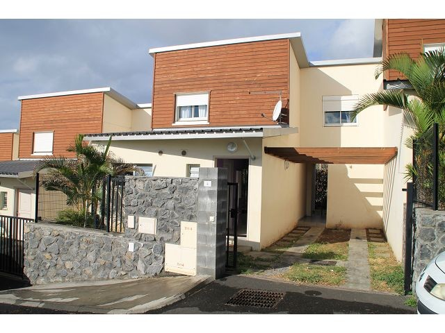 location maison villa la possession 97419 r union ouest r f 0841yv. Black Bedroom Furniture Sets. Home Design Ideas