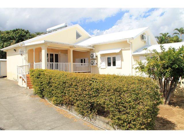 location maison villa la possession 97419 r union ouest r f 0068yv. Black Bedroom Furniture Sets. Home Design Ideas