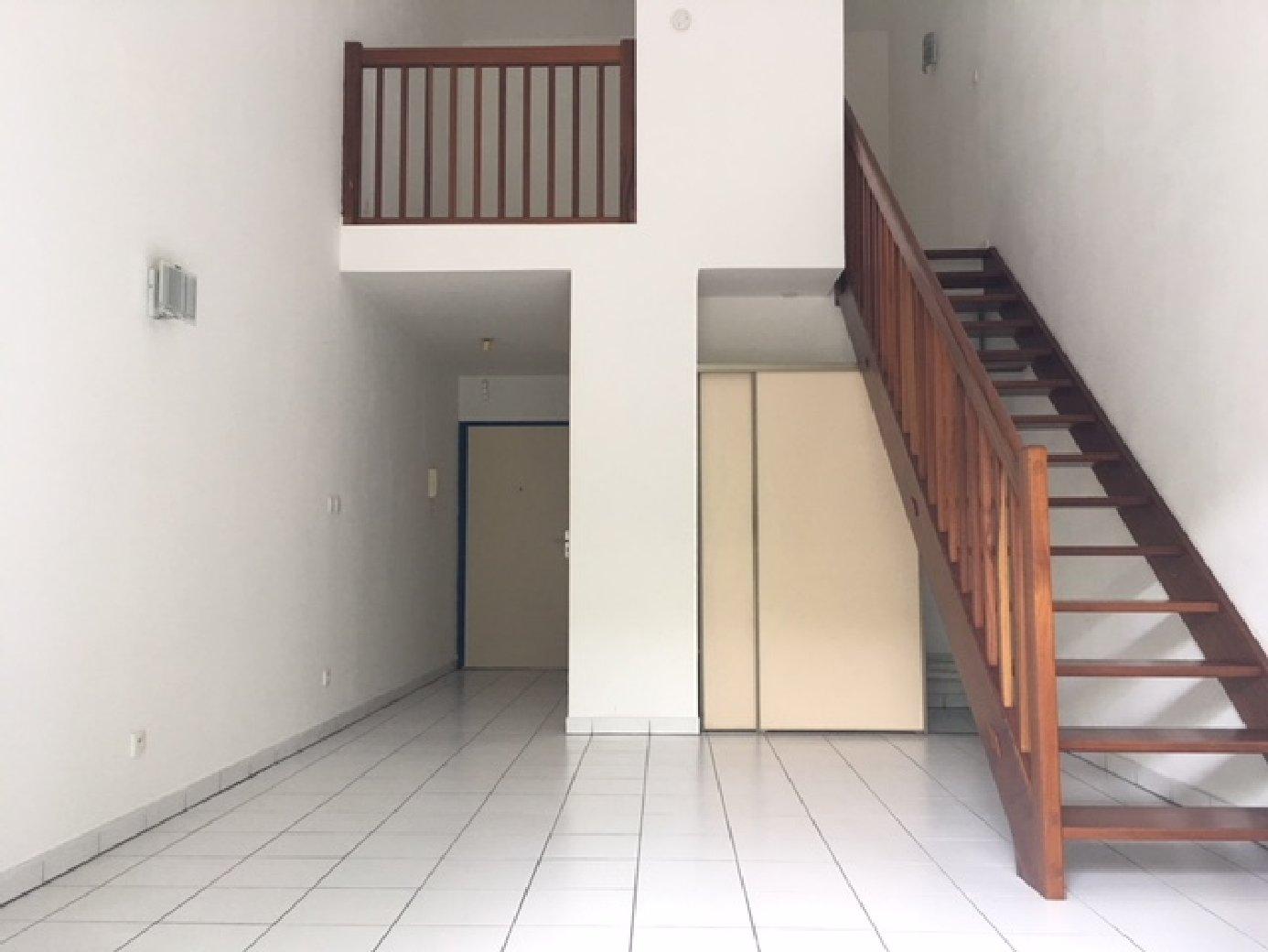 location chambre 97400