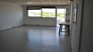 location local professionnel à baie mahault (97122)