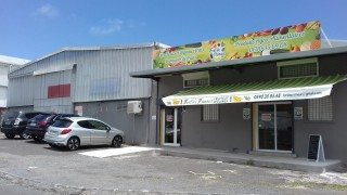 location local commercial à goyave (97128)